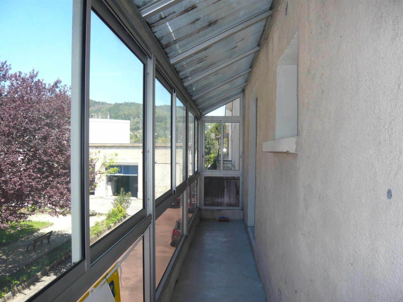 Vente maison le vigan avec l 39 agence cote sud immobilier for Acheter garage investissement